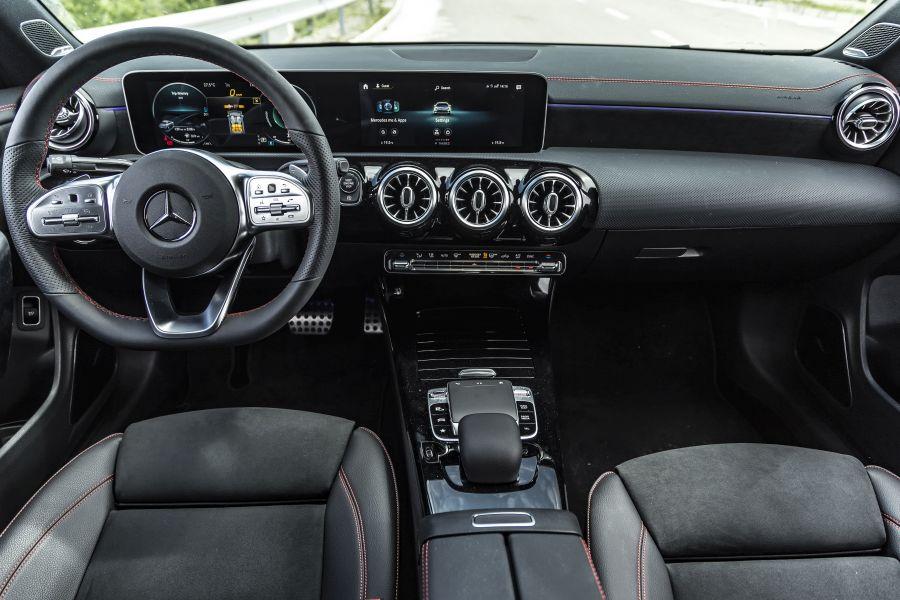 Mercedes-CLA-220-2019-5-interieur