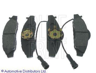Kit de plaquettes de frein, frein à disque - BLUE PRINT - ADG04241