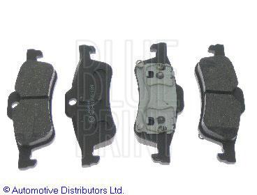 Kit de plaquettes de frein, frein à disque - BLUE PRINT - ADG04242