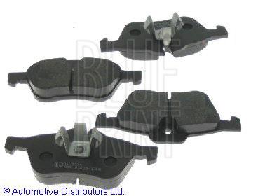Kit de plaquettes de frein, frein à disque - BLUE PRINT - ADG04243