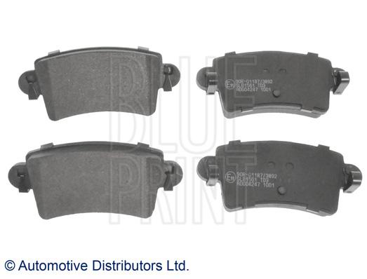 Kit de plaquettes de frein, frein à disque - BLUE PRINT - ADG04247